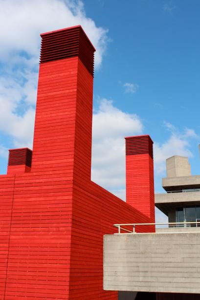 السقيفة The Shed مسارح غريبة المسرح الوطني تصميم مبتكر تصميم مسرح أروبي تصاميم
